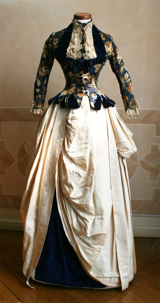 1886 Ivory silk skirt and China silk bodice