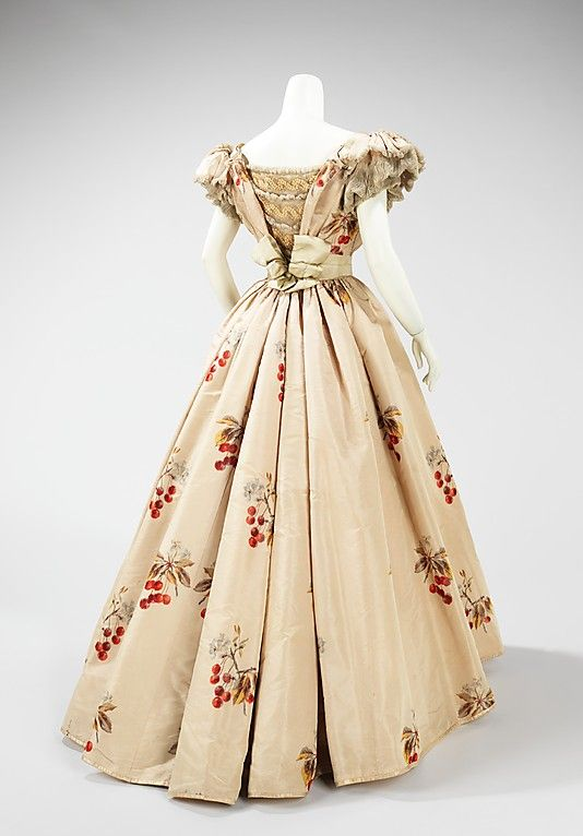 1898 Evening dress by House of Worth, Paris, the Met Museum